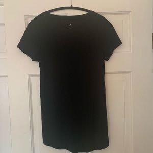 Basic black fitted maternity top